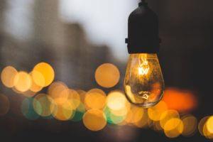 lightbulbs in a line