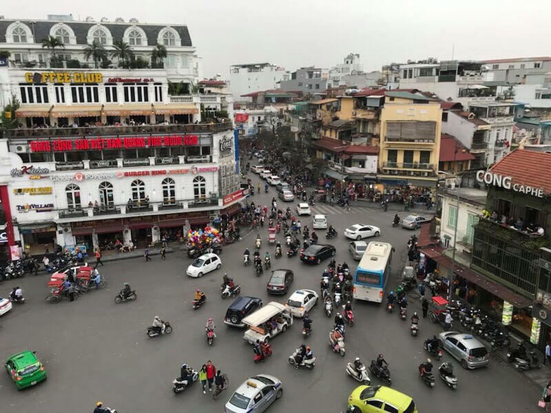 vietname street crossing